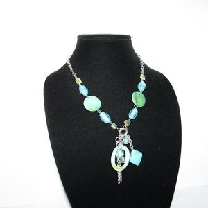 Vintagejelyfish Jewelry - Beautiful shell and glass silver necklace beachy